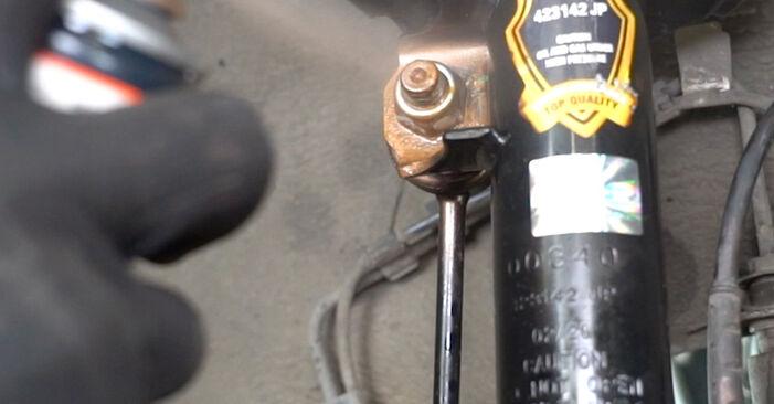 Schritt-für-Schritt-Anleitung zum selbstständigen Wechsel von Opel Meriva x03 2008 1.3 CDTI (E75) Koppelstange