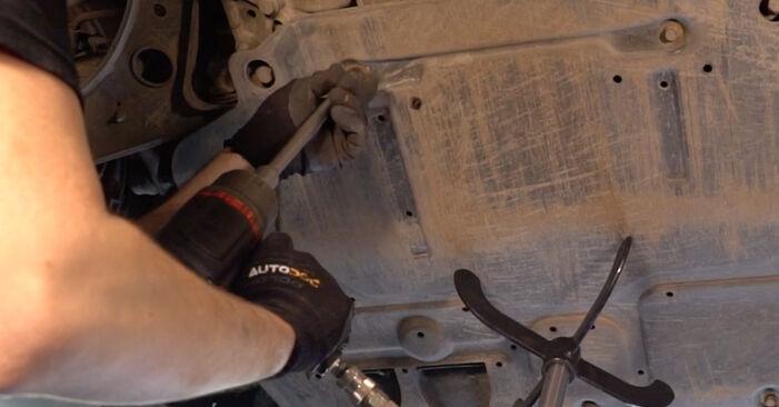 Consigli passo-passo per la sostituzione del fai da te Golf 5 2009 2.0 TDI 16V Cinghia Poly-V