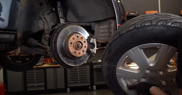 Come rimuovere VW GOLF 2.0 TDI 16V 2007 Testina dello Sterzo - istruzioni online facili da seguire