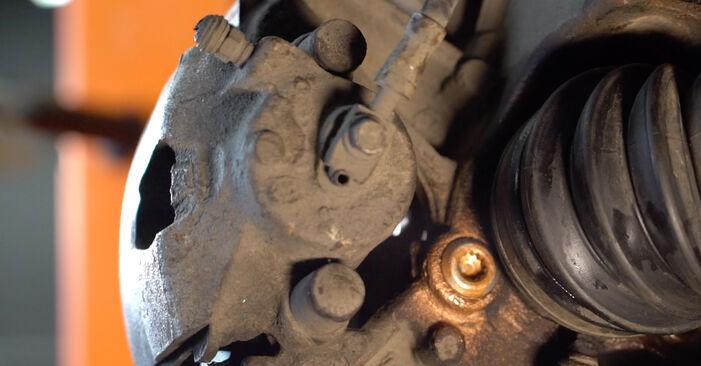 Wie schwer ist es, selbst zu reparieren: Bremsscheiben Golf 5 2.0 TDI 2009 Tausch - Downloaden Sie sich illustrierte Anleitungen