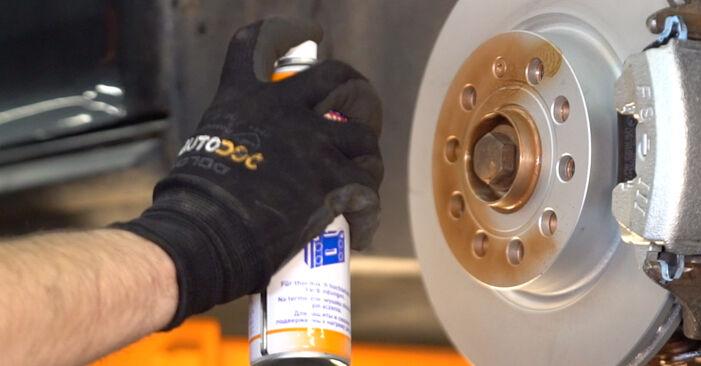 Bremsscheiben beim VW GOLF 3.2 R32 4motion 2003 selber erneuern - DIY-Manual