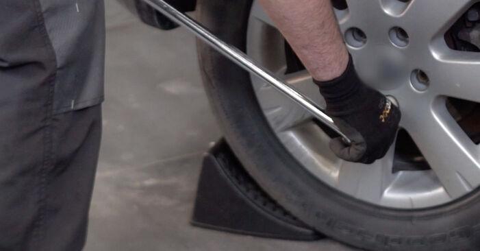 Bremsbeläge Golf 5 2.0 GTI 2005 wechseln: Kostenlose Reparaturhandbücher