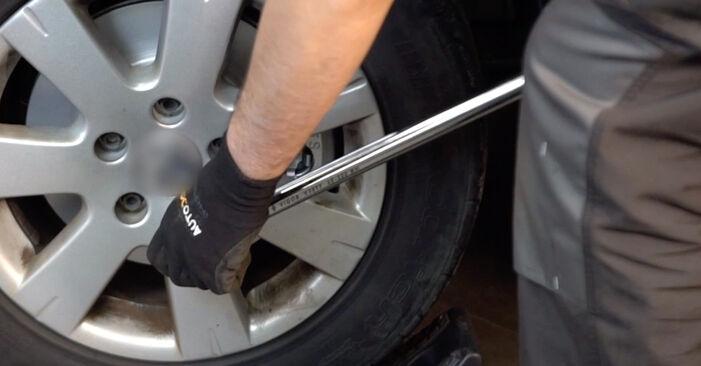 VW GOLF 2003 -auton Jarrupalat: vaihe-vaiheelta -vaihto-opas
