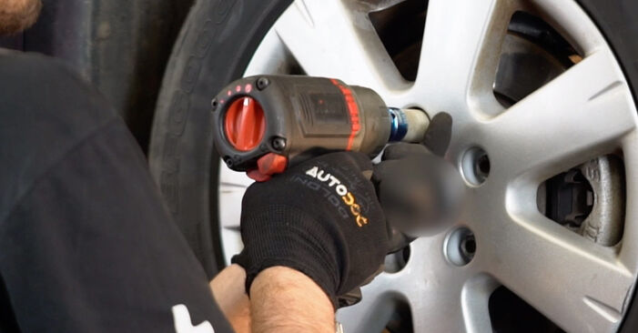 Tauschen Sie Querlenker beim VW Golf V Schrägheck (1K1) 1.6 FSI 2006 selbst aus