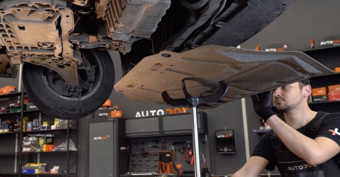 Wie schmierig ist es, selber zu reparieren: Querlenker beim Golf 5 2.0 TDI 2009 wechseln – Downloaden Sie sich Bildanleitungen