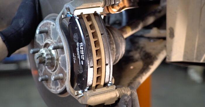 Schritt-für-Schritt-Anleitung zum selbstständigen Wechsel von NISSAN LEAF 2011 Elektrik Bremsscheiben