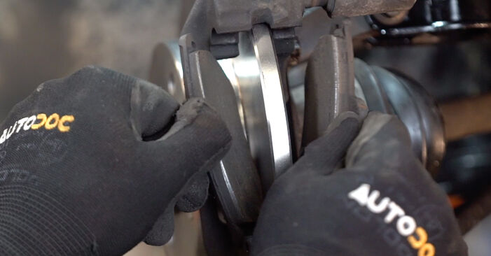 Replacing Brake Pads on Fiat Punto 188 2009 1.2 60 by yourself