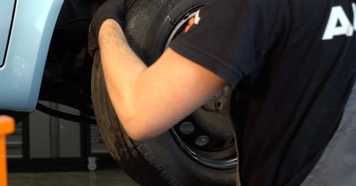 How to replace Brake Pads on FIAT PUNTO (188) 2004: download PDF manuals and video instructions