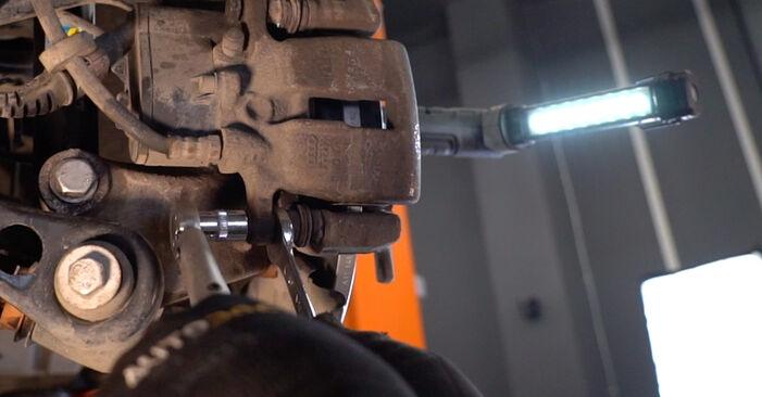 AUDI A6 2.7 TDI Bremsscheiben ausbauen: Anweisungen und Video-Tutorials online