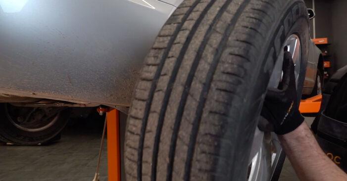 Ako vymeniť Brzdový kotouč na AUDI A6 Sedan (4F2, C6) 2009: stiahnite si PDF návody a video inštrukcie.