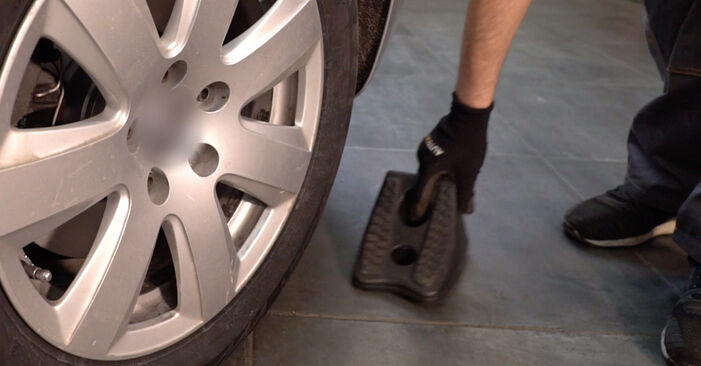 How to change Brake Pads on AUDI A6 Saloon (4F2, C6) 2008 - tips and tricks
