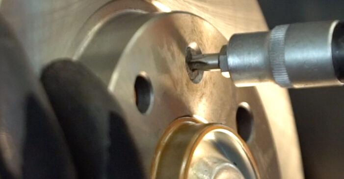 Wie schwer ist es, selbst zu reparieren: Bremsscheiben Peugeot 206 cc 2d 1.6 HDi 110 2004 Tausch - Downloaden Sie sich illustrierte Anleitungen