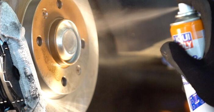 Wie Bremsbeläge PEUGEOT 206 CC (2D) 2.0 S16 2001 austauschen - Schrittweise Handbücher und Videoanleitungen