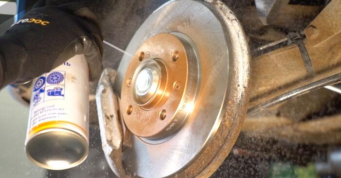 Bremsbeläge Peugeot 206 CC 1.6 HDi 110 2002 wechseln: Kostenlose Reparaturhandbücher