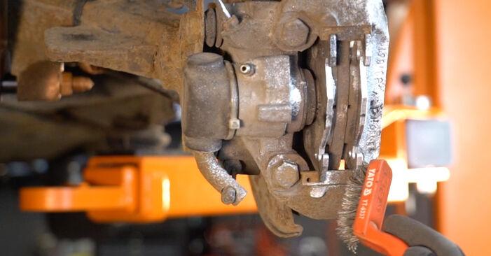 Bremsbeläge Ihres Peugeot 206 cc 2d 1.6 16V 2006 selbst Wechsel - Gratis Tutorial