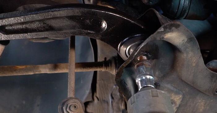 Austauschen Anleitung Querlenker am Peugeot 206 cc 2d 2008 1.6 16V selbst