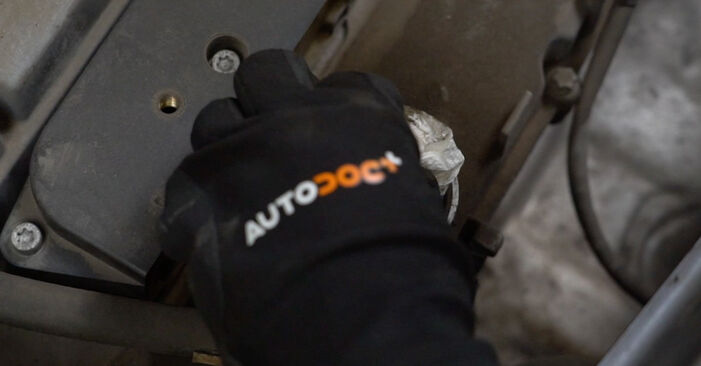 Колко време отнема смяната: Запалителна бобина на Opel Meriva x03 2003 - информативен PDF наръчник