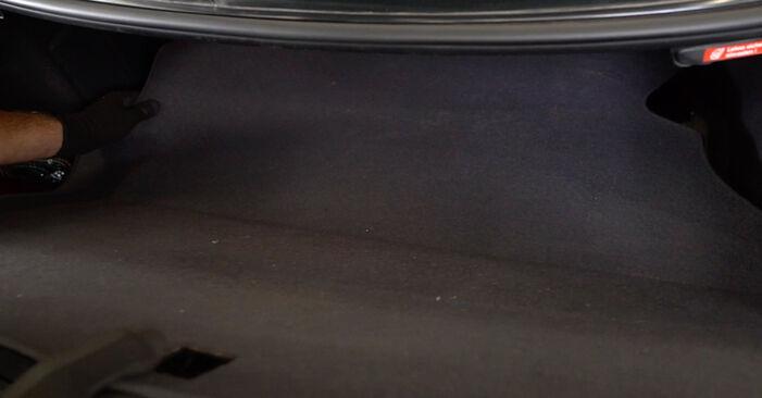Wie Stoßdämpfer MERCEDES-BENZ C-Klasse Limousine (W203) C 180 1.8 Kompressor (203.046) 2001 austauschen - Schrittweise Handbücher und Videoanleitungen