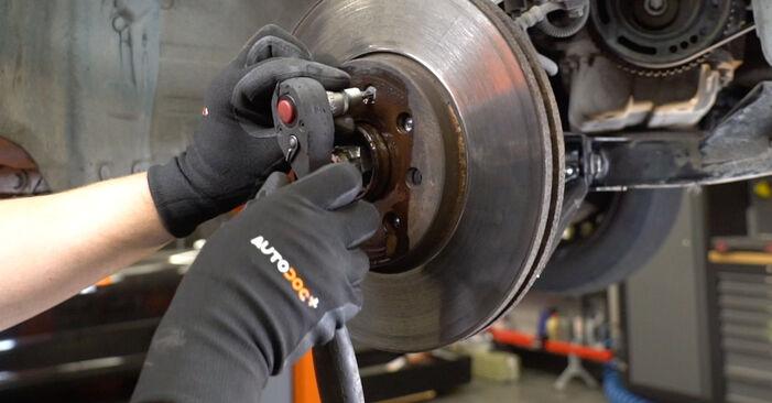 Wie Bremsscheiben Opel Meriva x03 1.7 CDTI (E75) 2003 tauschen - Kostenlose PDF- und Videoanleitungen
