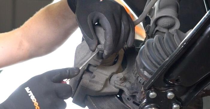 Wie schwer ist es, selbst zu reparieren: Bremsscheiben Opel Meriva x03 1.7 DTI (E75) 2009 Tausch - Downloaden Sie sich illustrierte Anleitungen