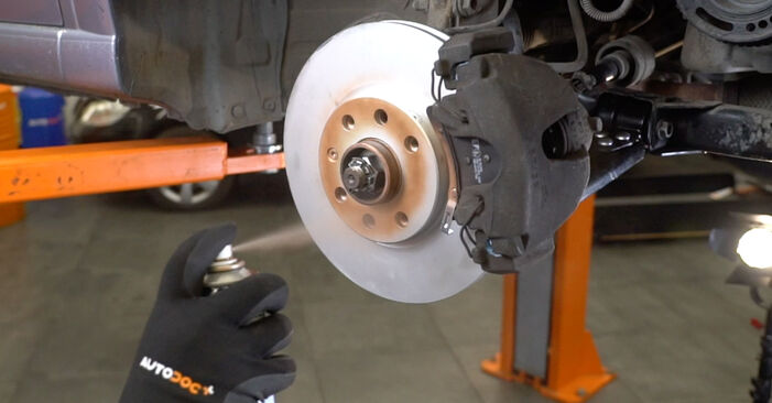 How to remove OPEL MERIVA 1.3 CDTI (E75) 2007 Brake Pads - online easy-to-follow instructions