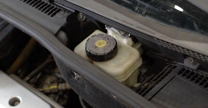 OPEL MERIVA 1.4 16V Twinport (E75) Bremsbeläge ausbauen: Anweisungen und Video-Tutorials online