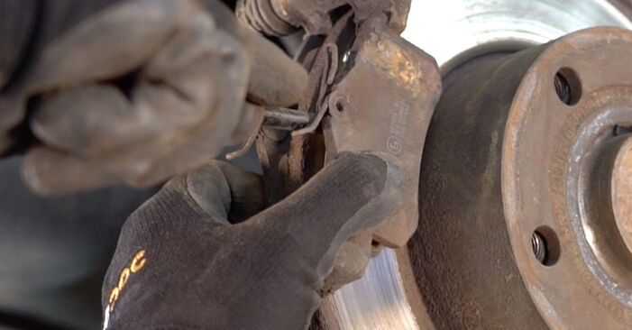 VW PASSAT 1.9 TDI Brake Discs replacement: online guides and video tutorials