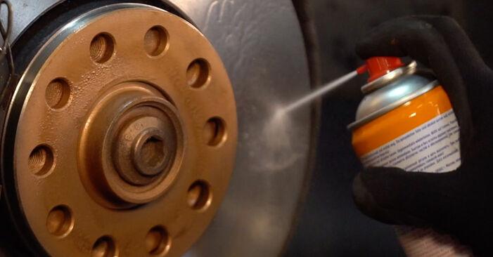 Tausch Tutorial Spurstangenkopf am VW PASSAT Variant (3B6) 1996 wechselt - Tipps und Tricks
