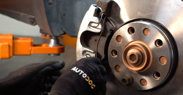 Step-by-step recommendations for DIY replacement Passat 3B6 1997 1.6 Brake Calipers