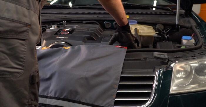 Querlenker am VW PASSAT Variant (3B6) 2.8 4motion 2001 wechseln – Laden Sie sich PDF-Handbücher und Videoanleitungen herunter