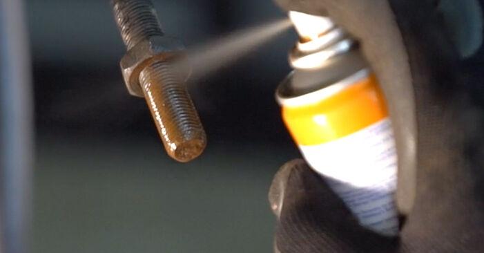 Išsamios Twingo c06 2006 1.2 Skersinės vairo trauklės galas keitimo rekomendacijos