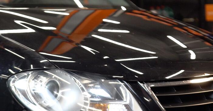 Wie man Bremssattel am VW TOURAN (1T1, 1T2) 2008 wechselt – Laden Sie sich PDF-Wegleitungen und Videoanweisungen herunter