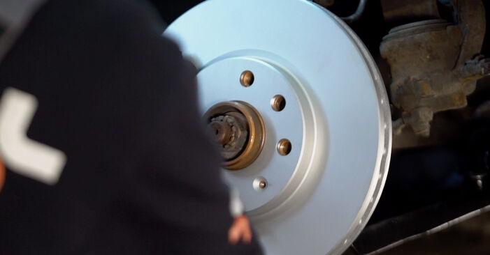 Sustitución de Discos de Freno en un Opel Corsa C 1.0 (F08, F68) 2002: manuales de taller gratuitos