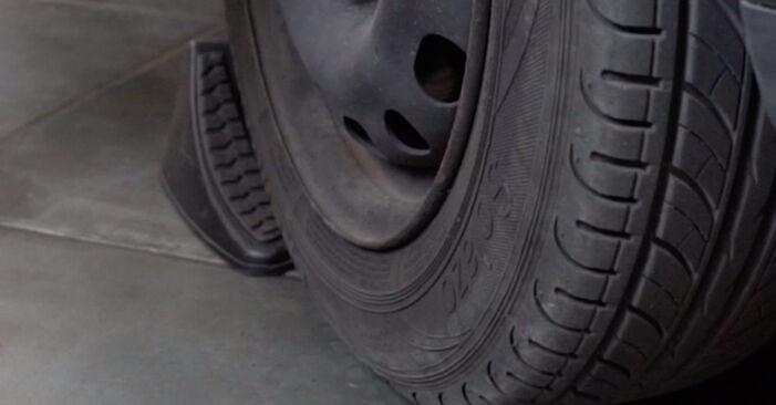 Cómo reemplazar Discos de Freno en un OPEL Corsa C Hatchback (X01) 1.2 (F08, F68) 2001 - manuales paso a paso y guías en video