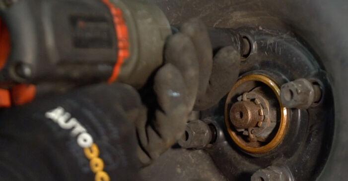 Wie schwer ist es, selbst zu reparieren: Bremsbeläge Opel Corsa C 1.7 DI (F08, F68) 2006 Tausch - Downloaden Sie sich illustrierte Anleitungen