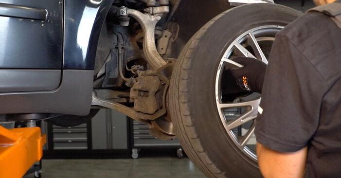 Bremsscheiben am AUDI A4 Avant (8E5, B6) 2.0 2000 wechseln – Laden Sie sich PDF-Handbücher und Videoanleitungen herunter