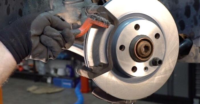 Ako vymeniť Brzdové Platničky na AUDI A4 Avant (8E5, B6) 2002 – tipy a triky