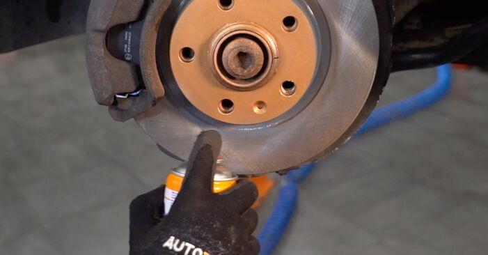 Wie man Bremsbeläge beim AUDI A4 Avant (8E5, B6) 2000 auswechselt – Downloaden Sie sich PDF-Tutorials und Videoanleitungen herunter