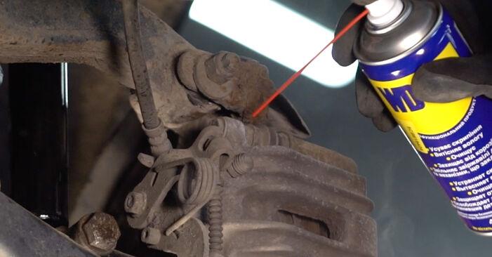 Bremsbeläge beim AUDI A4 S4 4.2 quattro 2002 selber erneuern - DIY-Manual