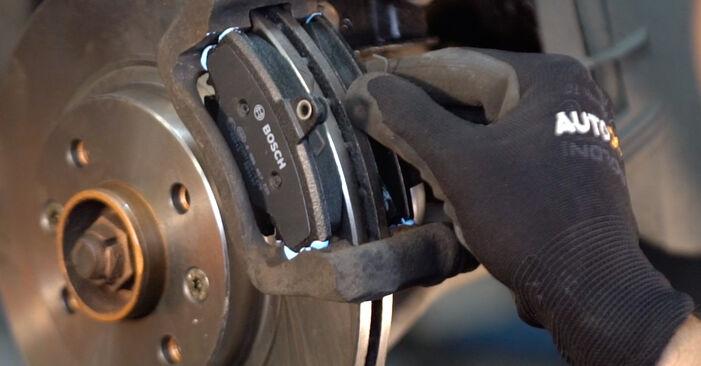 RENAULT CLIO 1.2 16V Bremsscheiben ausbauen: Anweisungen und Video-Tutorials online