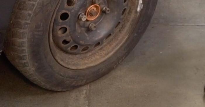 Mudar Pastilhas De Travão no Renault Clio 2 2006 não será um problema se você seguir este guia ilustrado passo a passo