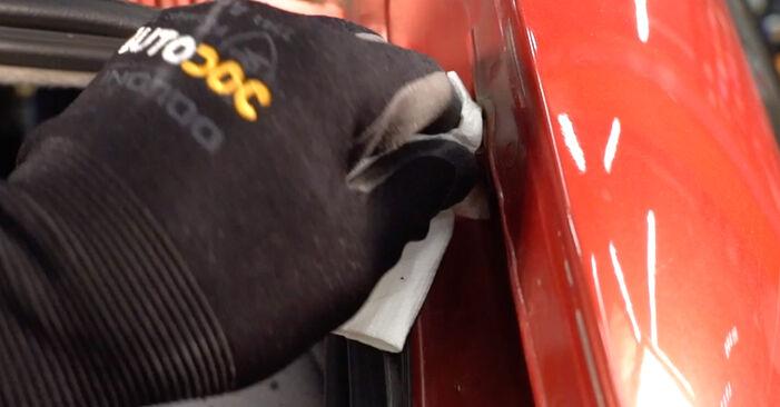 Heckklappendämpfer am CITROËN C3 I Schrägheck (FC_, FN_) 1.6 16V HDi 2007 wechseln – Laden Sie sich PDF-Handbücher und Videoanleitungen herunter