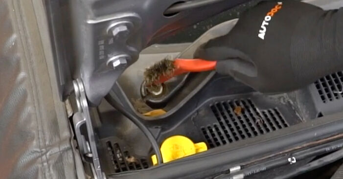 Changing Pollen Filter on OPEL Meriva A (X03) 1.6 (E75) 2006 by yourself