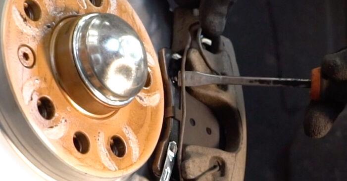 Schritt-für-Schritt-Anleitung zum selbstständigen Wechsel von Zafira b a05 2007 1.6 CNG (M75) Bremssattel