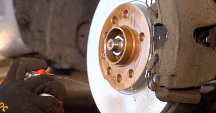 Bremssattel am OPEL ZAFIRA B (A05) 2.2 (M75) 2010 wechseln – Laden Sie sich PDF-Handbücher und Videoanleitungen herunter