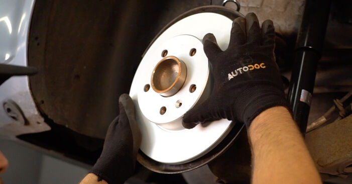 Bremsscheiben beim OPEL ZAFIRA 1.8 (M75) 2012 selber erneuern - DIY-Manual