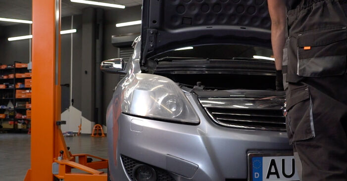 How to change Wheel Bearing on Zafira b a05 2005 - free PDF and video manuals