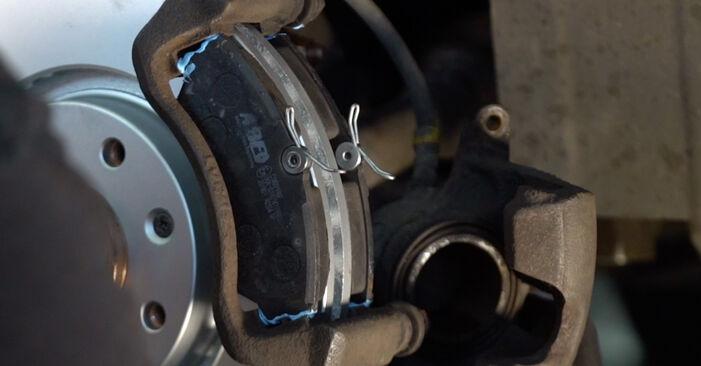 Bremsscheiben Ihres Citroen Xsara Picasso 1.8 16V 2005 selbst Wechsel - Gratis Tutorial