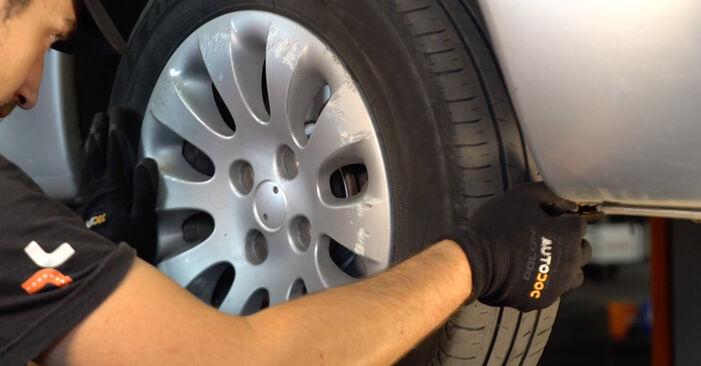 Tausch Tutorial Bremsscheiben am CITROËN XSARA PICASSO (N68) 2000 wechselt - Tipps und Tricks