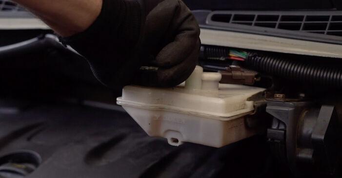 Wie Bremsscheiben CITROËN XSARA PICASSO (N68) 1.6 HDi 1998 austauschen - Schrittweise Handbücher und Videoanleitungen